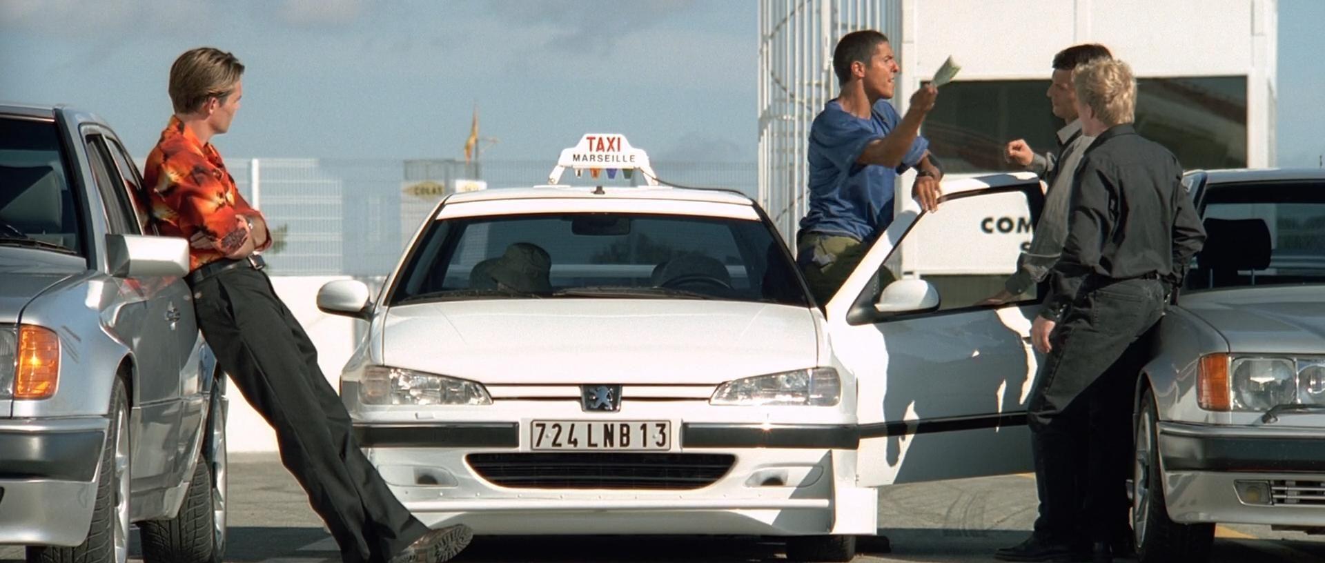Реклама у фільмі «Таксі»